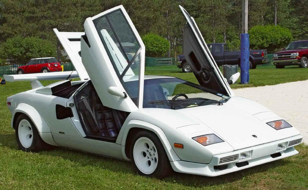 1985-Lamborghini-Countach-White-Front-Angle-Open-Doors-st.jpg
